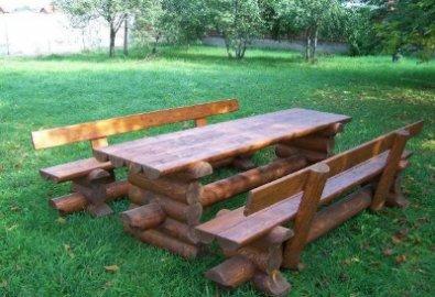 Стол и стулья деревянные
